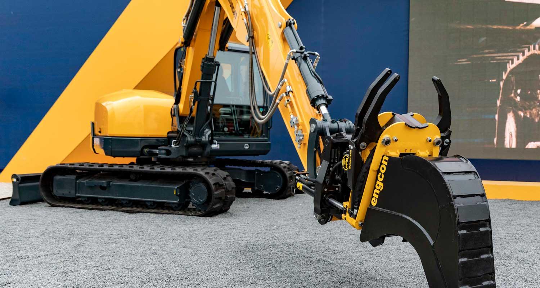 Hyundai factory-prepares its excavators for Engcon tiltrotators | engcon